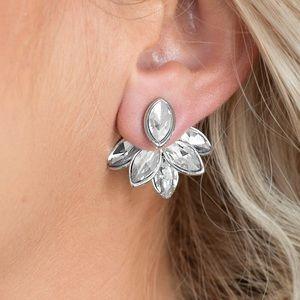 Jewelry - Fanciest of Them All - White | Earrings